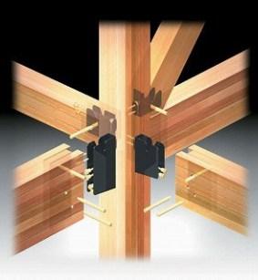 強い構造体をさらに強固なフレーム金物で接合