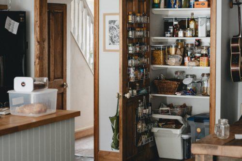 キッチン収納にはパントリーが便利!?